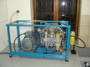 Dugattyús kompresszor