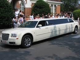 A party limuzin könnyedén elérhető
