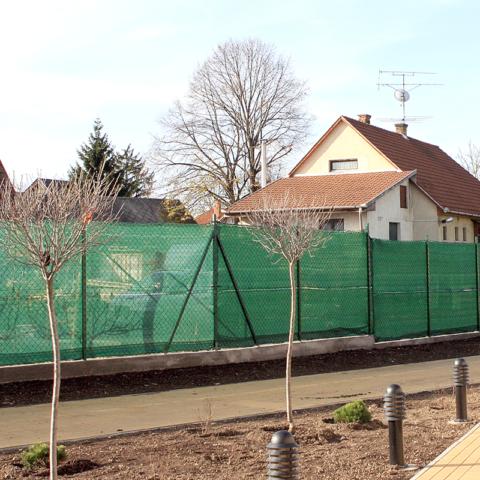 zöld kerítés háló